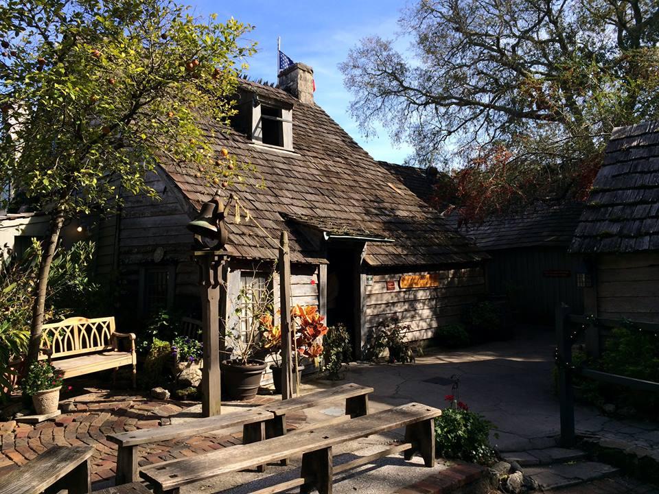 oldest-wooden-schoolhouse